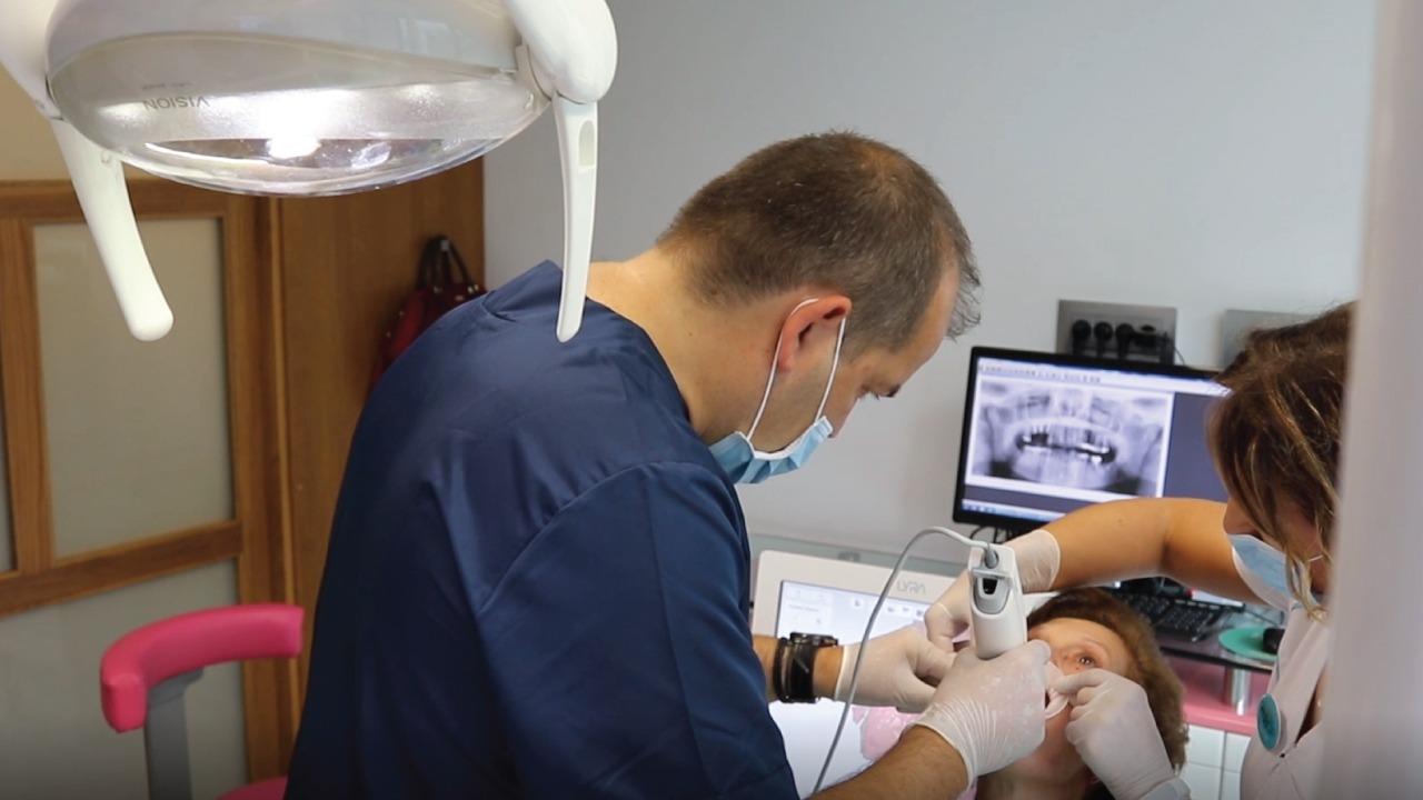 centro-dental-Macía-colaborador-Forbe